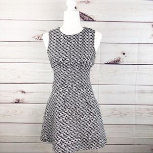 D121 black and white graphic dress